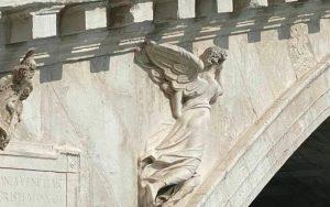 Pont Rialto Venezia angelo